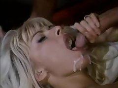 Порно армянской тро порно видео дамами толстыми ляжками