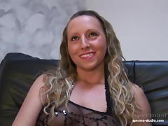 ulitse-bdsm-nemetskiy-porno-fisting-vzroslih-dam-ogromnim-rezinovim-chlenom
